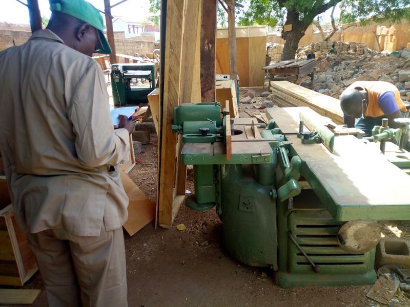 Bouwvakkers aan het werk in Togo Tilé